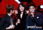 hyuna_hyunseung_troublemaker_musicontop_11