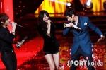 hyuna_hyunseung_troublemaker_musicontop_13