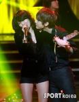hyuna_hyunseung_troublemaker_musicontop_16