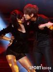 hyuna_hyunseung_troublemaker_musicontop_2