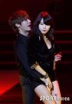 hyuna_hyunseung_troublemaker_musicontop_6